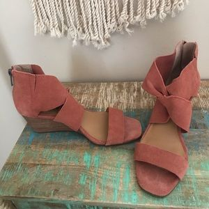 Lucky brand suede short wedges